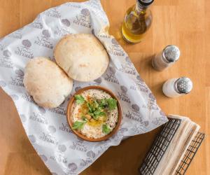 Palestinian-Hummus3